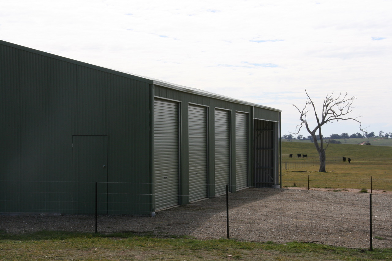 Multibay farm shed for storage